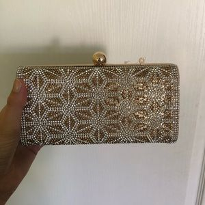 Gold stoned clutch